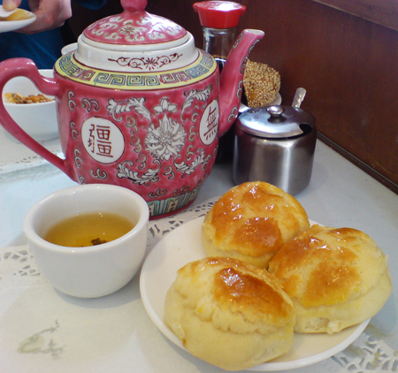 Tea and custard buns at yum char