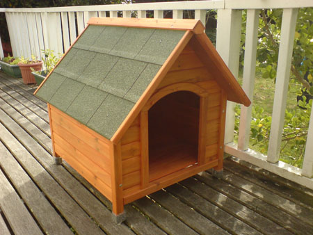 JPG image of a dog house