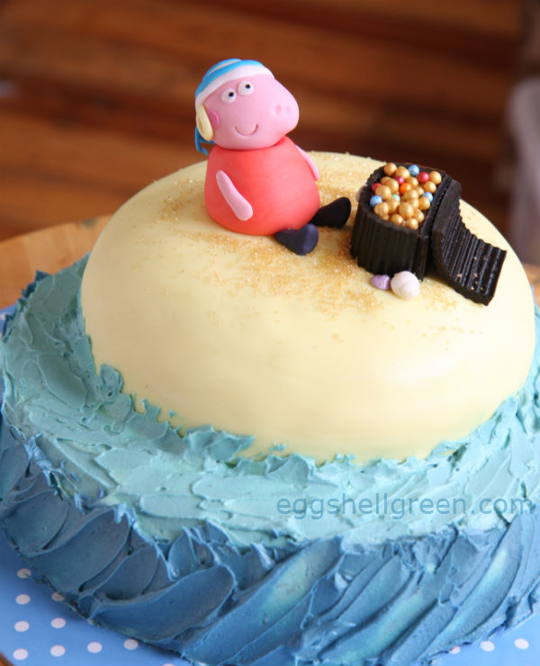 Pirate Peppa Pig cake