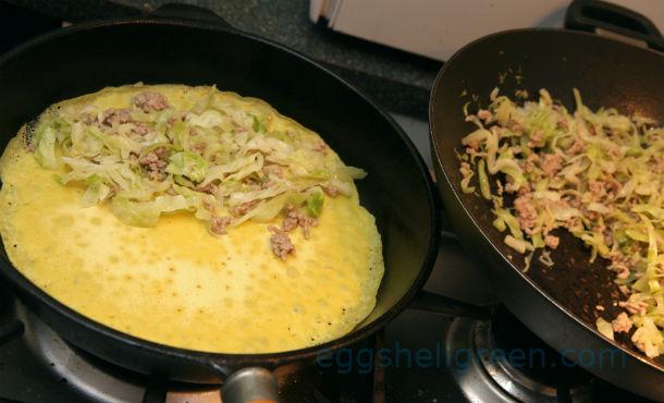 Making Vietnamese pancakes banh xeo